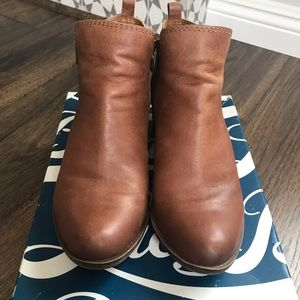 Lucky Brand Basel Bootie Size 9 in Brown